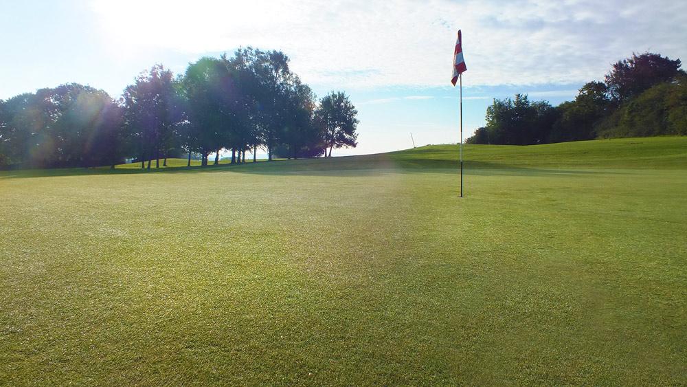 Wrangaton Golf Course - 10th green